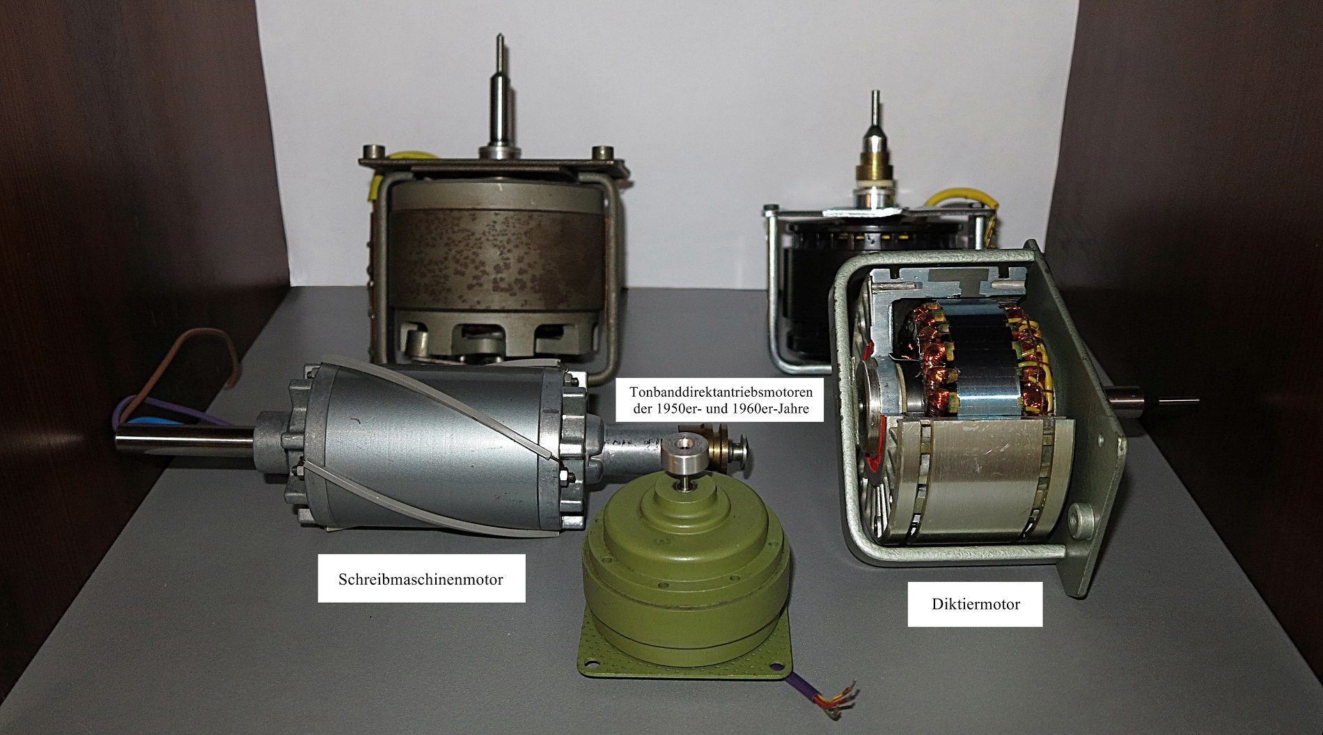 First tape recorder with direct drive motor produced in volume